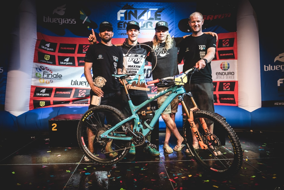 YetiCycles_Photo2_YetiFoxTeam_2016.jpg